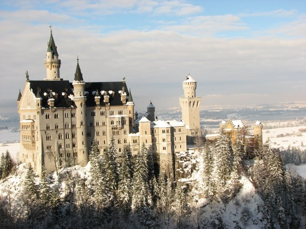 10 Most Magnificient Castles In The World