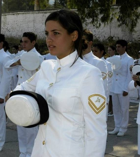 woman_in_the_military_Greece