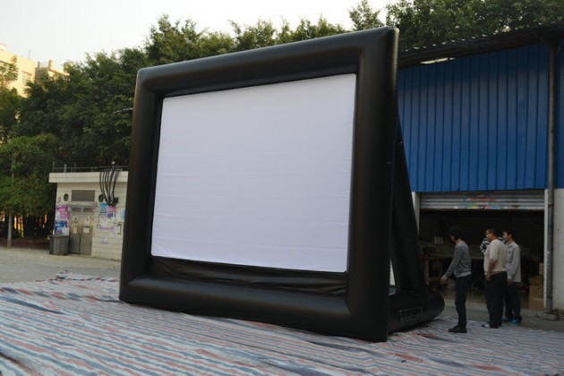 Inflatable_Large_Screen_Television_1
