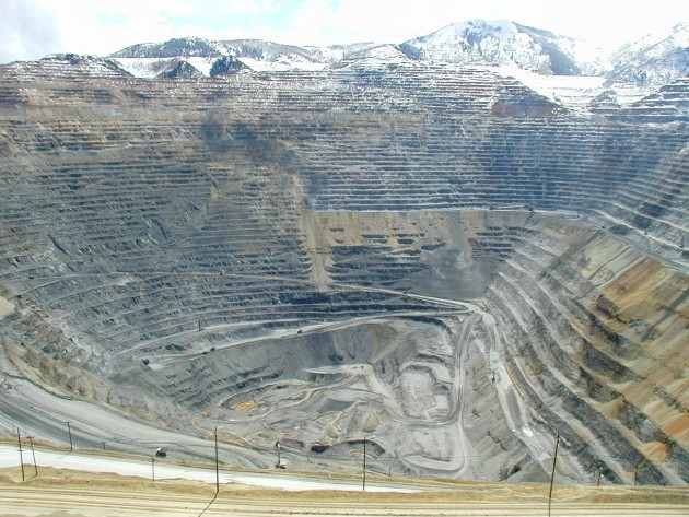 Bingham_Canyon_Mine_2